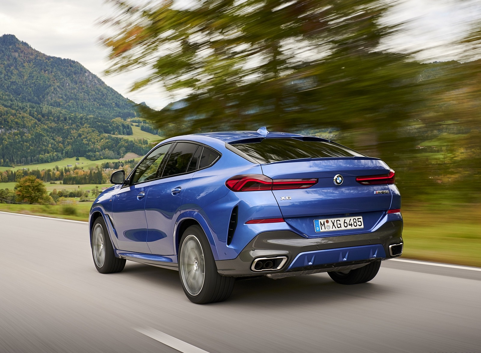 2020 BMW X6 M50i Rear Three-Quarter Wallpapers (7)