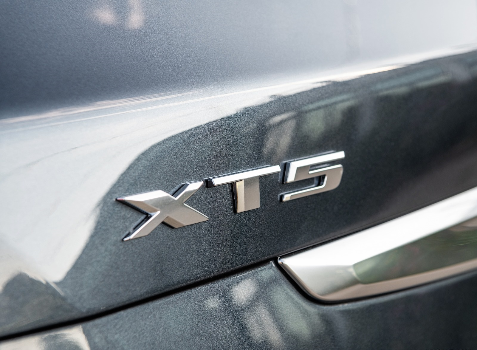2020 Cadillac XT5 Premium Luxury Badge Wallpapers (4)