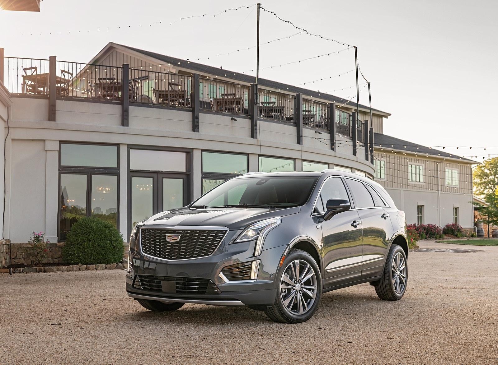 2020 Cadillac XT5 Premium Luxury Front Three-Quarter Wallpapers (1)