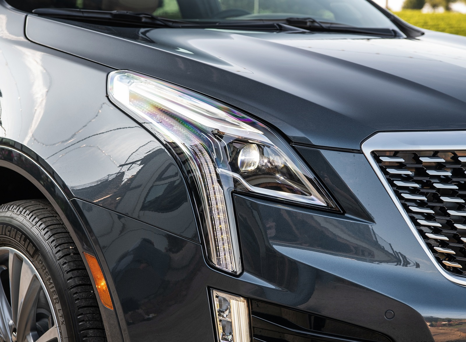 2020 Cadillac XT5 Premium Luxury Headlight Wallpapers (5)