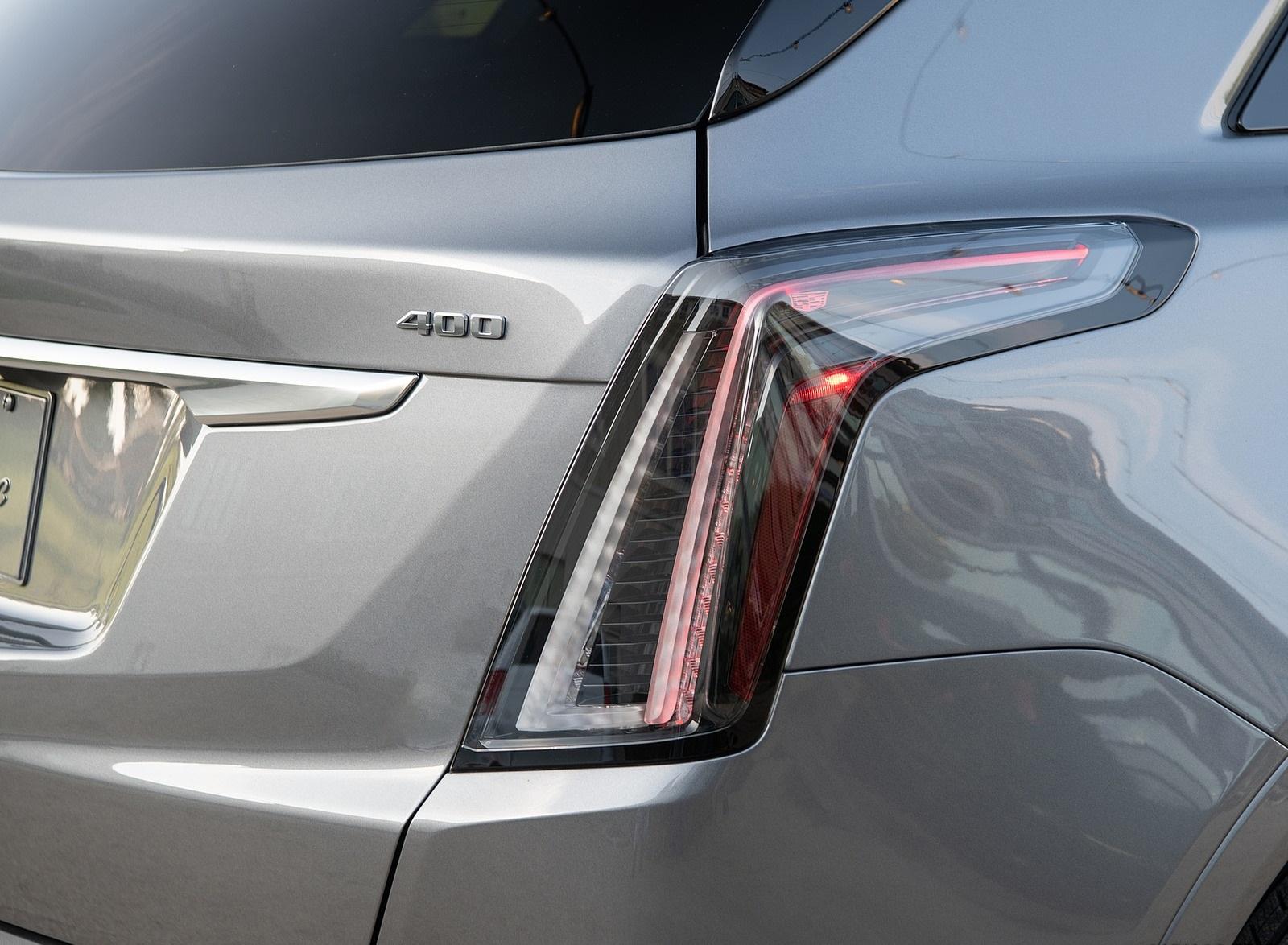 2020 Cadillac XT5 Sport Tail Light Wallpapers (9)