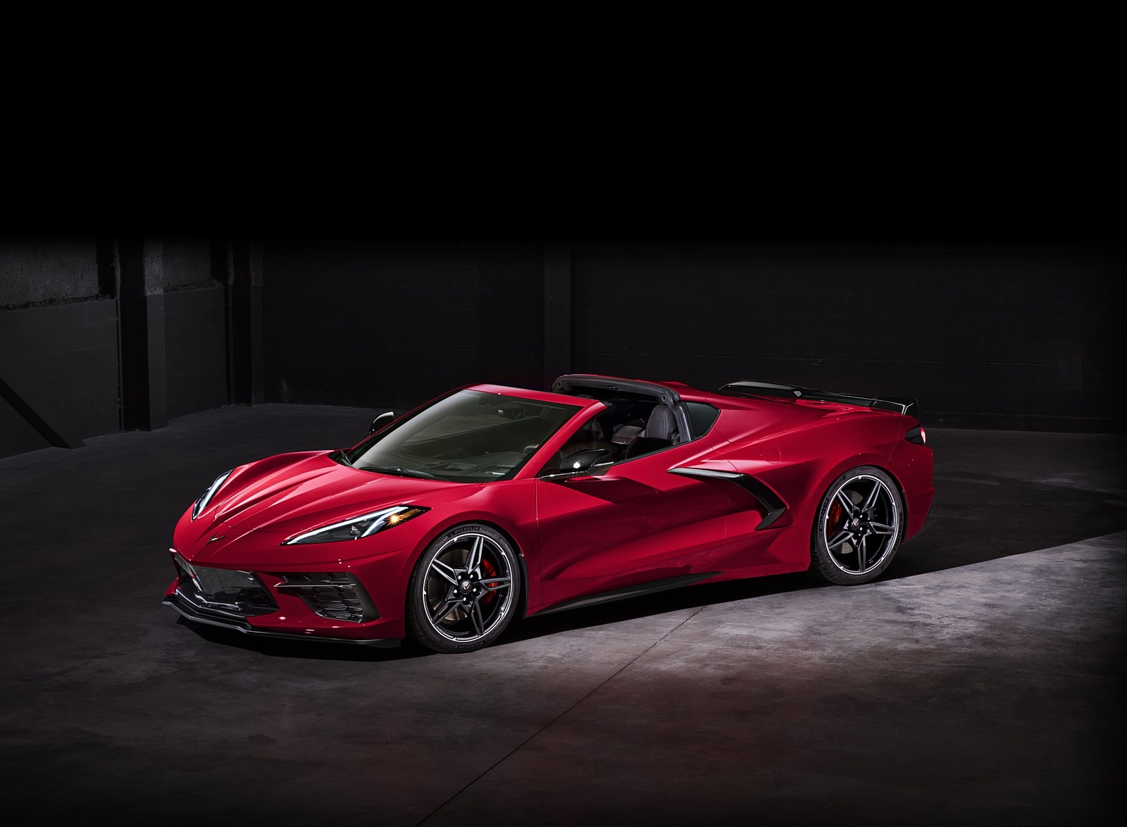 2020 Chevrolet Corvette C8 Stingray Front Three-Quarter Wallpapers (14)