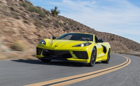 2020 Chevrolet Corvette Stingray (Color: Accelerate Yellow) Front Three-Quarter Wallpapers 450x275 (81)