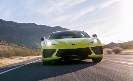 2020 Chevrolet Corvette Stingray (Color: Accelerate Yellow) Front Wallpapers 450x275 (82)