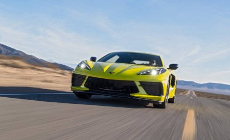 2020 Chevrolet Corvette Stingray (Color: Accelerate Yellow) Front Wallpapers 450x275 (83)