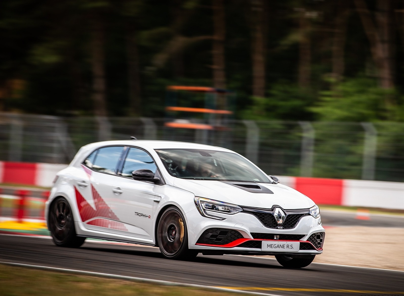 2020 Renault Mégane R.S. Trophy-R Front Three-Quarter Wallpapers (5)