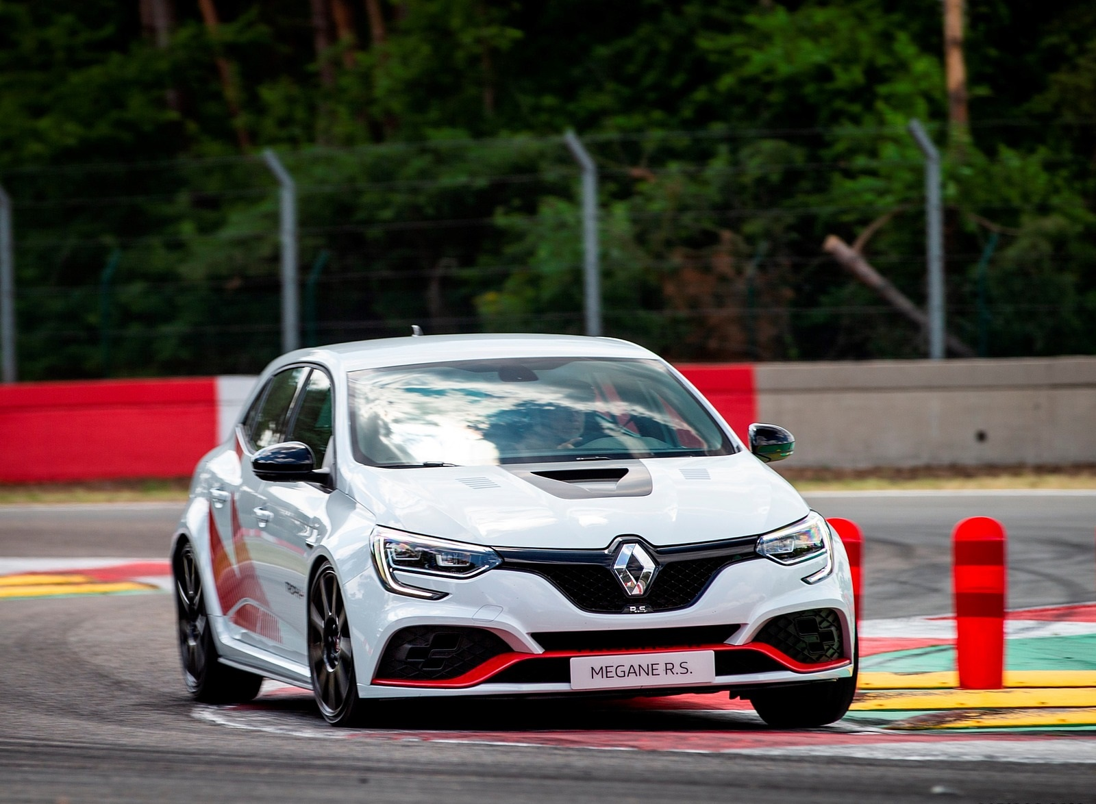 2020 Renault Mégane R.S. Trophy-R Front Three-Quarter Wallpapers (6)