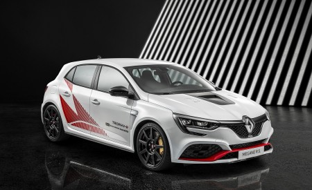 2020 Renault Mégane R.S. Trophy-R Record Version Front Three-Quarter Wallpapers 450x275 (52)