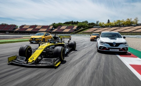 2020 Renault Mégane R.S. Trophy-R and R.S. 19 Formula One Car Wallpapers 450x275 (21)