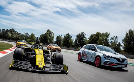 2020 Renault Mégane R.S. Trophy-R and R.S. 19 Formula One Car Wallpapers 450x275 (22)