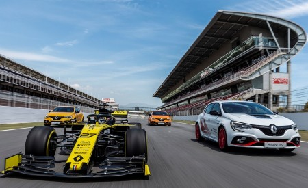 2020 Renault Mégane R.S. Trophy-R and R.S. 19 Formula One Car Wallpapers 450x275 (23)