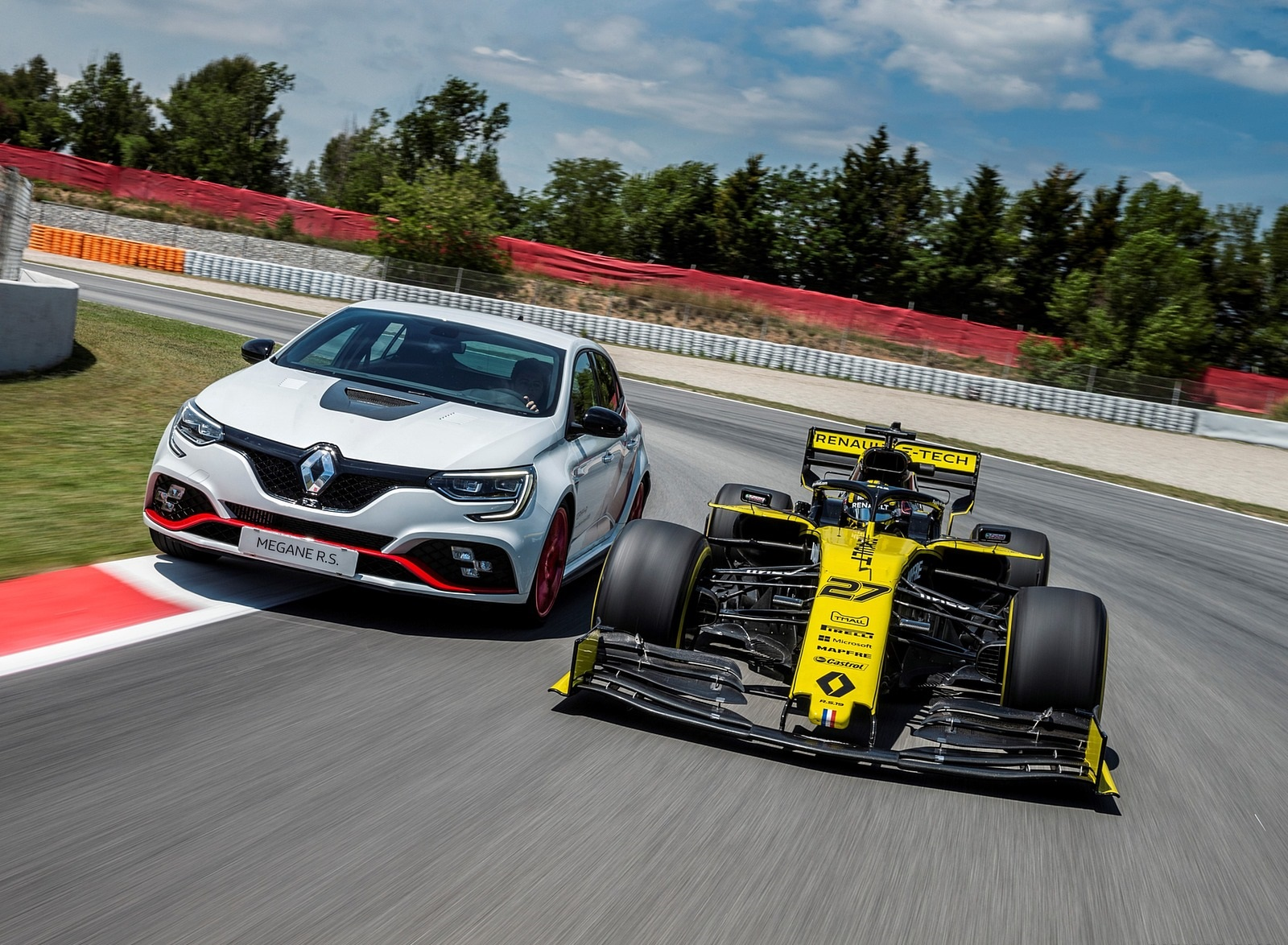 2020 Renault Mégane R.S. Trophy-R and R.S. 19 Formula One Car Wallpapers (14)