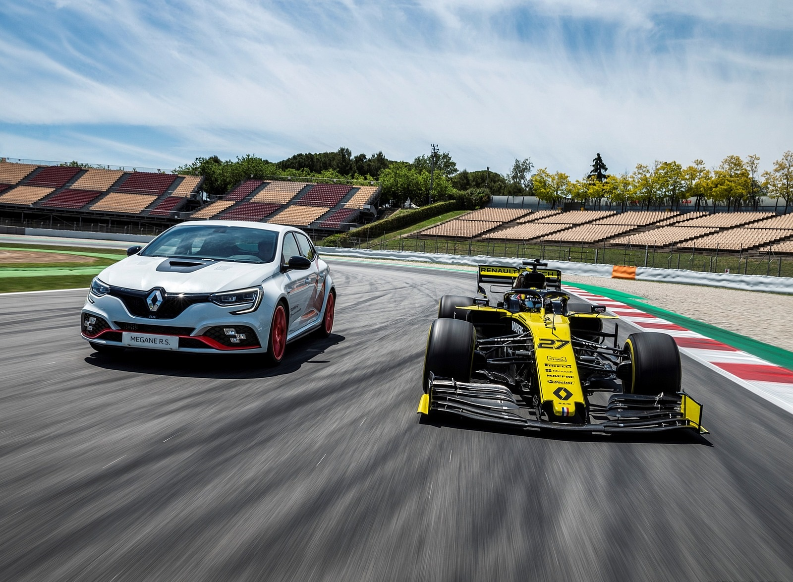 2020 Renault Mégane R.S. Trophy-R and R.S. 19 Formula One Car Wallpapers (15)
