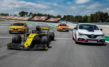 2020 Renault Mégane R.S. Trophy-R and R.S. 19 Formula One Car Wallpapers 450x275 (17)