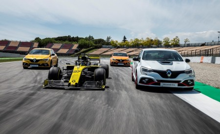 2020 Renault Mégane R.S. Trophy-R and R.S. 19 Formula One Car Wallpapers 450x275 (18)