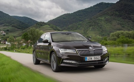2020 Skoda Superb Laurin & Klement Front Three-Quarter Wallpapers 450x275 (2)