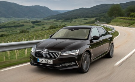 2020 Skoda Superb Laurin & Klement Front Three-Quarter Wallpapers 450x275 (3)