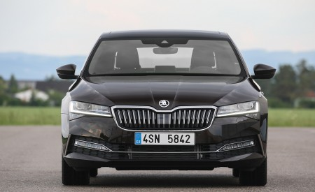 2020 Skoda Superb Laurin & Klement Front Wallpapers 450x275 (20)