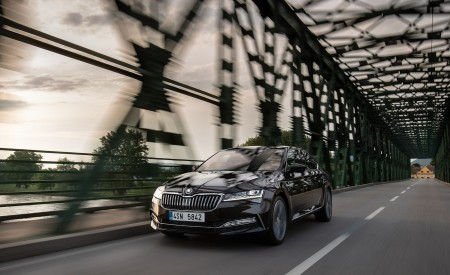 2020 Skoda Superb Laurin & Klement Front Wallpapers 450x275 (6)