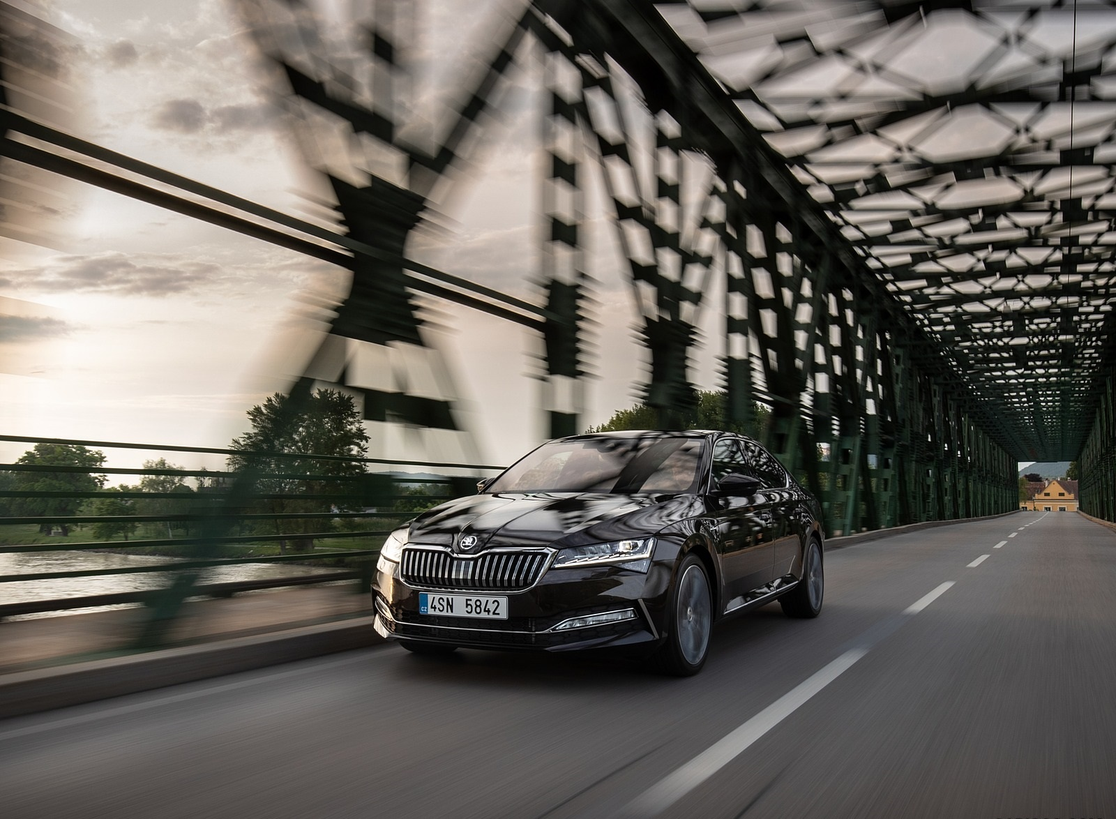 2020 Skoda Superb Laurin & Klement Front Wallpapers (6)