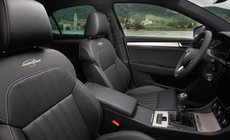2020 Skoda Superb Laurin & Klement Interior Front Seats Wallpapers 450x275 (38)