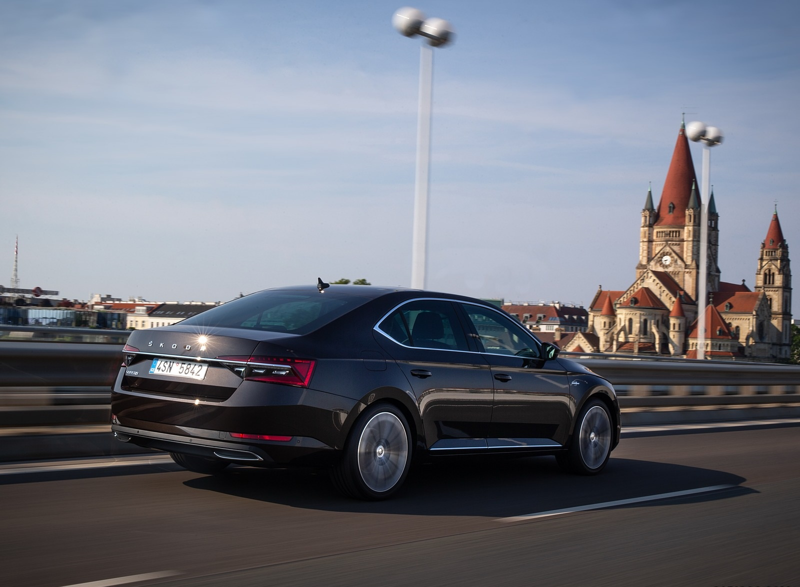 2020 Skoda Superb Laurin & Klement Rear Three-Quarter Wallpapers (8)