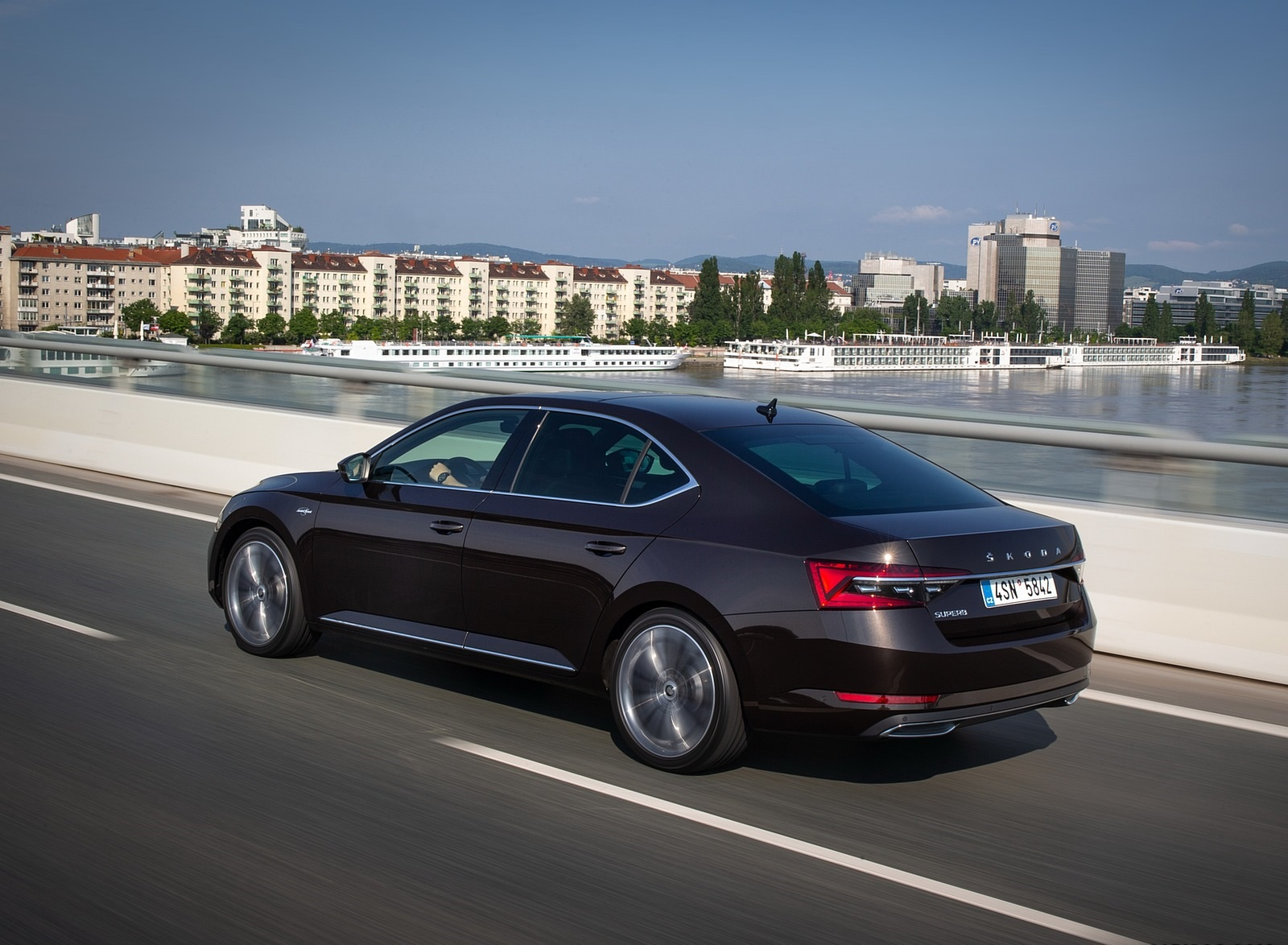 2020 Skoda Superb Laurin & Klement Rear Three-Quarter Wallpapers (9)