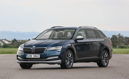 2020 Skoda Superb Scout Front Three-Quarter Wallpapers 450x275 (18)