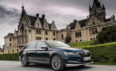 2020 Skoda Superb Scout Front Three-Quarter Wallpapers 450x275 (2)
