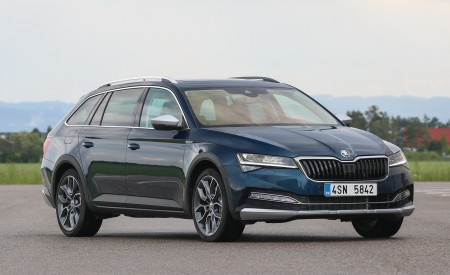 2020 Skoda Superb Scout Front Three-Quarter Wallpapers 450x275 (19)