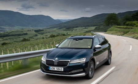 2020 Skoda Superb Scout Front Three-Quarter Wallpapers 450x275 (1)