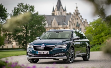 2020 Skoda Superb Scout Front Wallpapers 450x275 (20)
