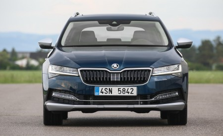 2020 Skoda Superb Scout Front Wallpapers 450x275 (21)