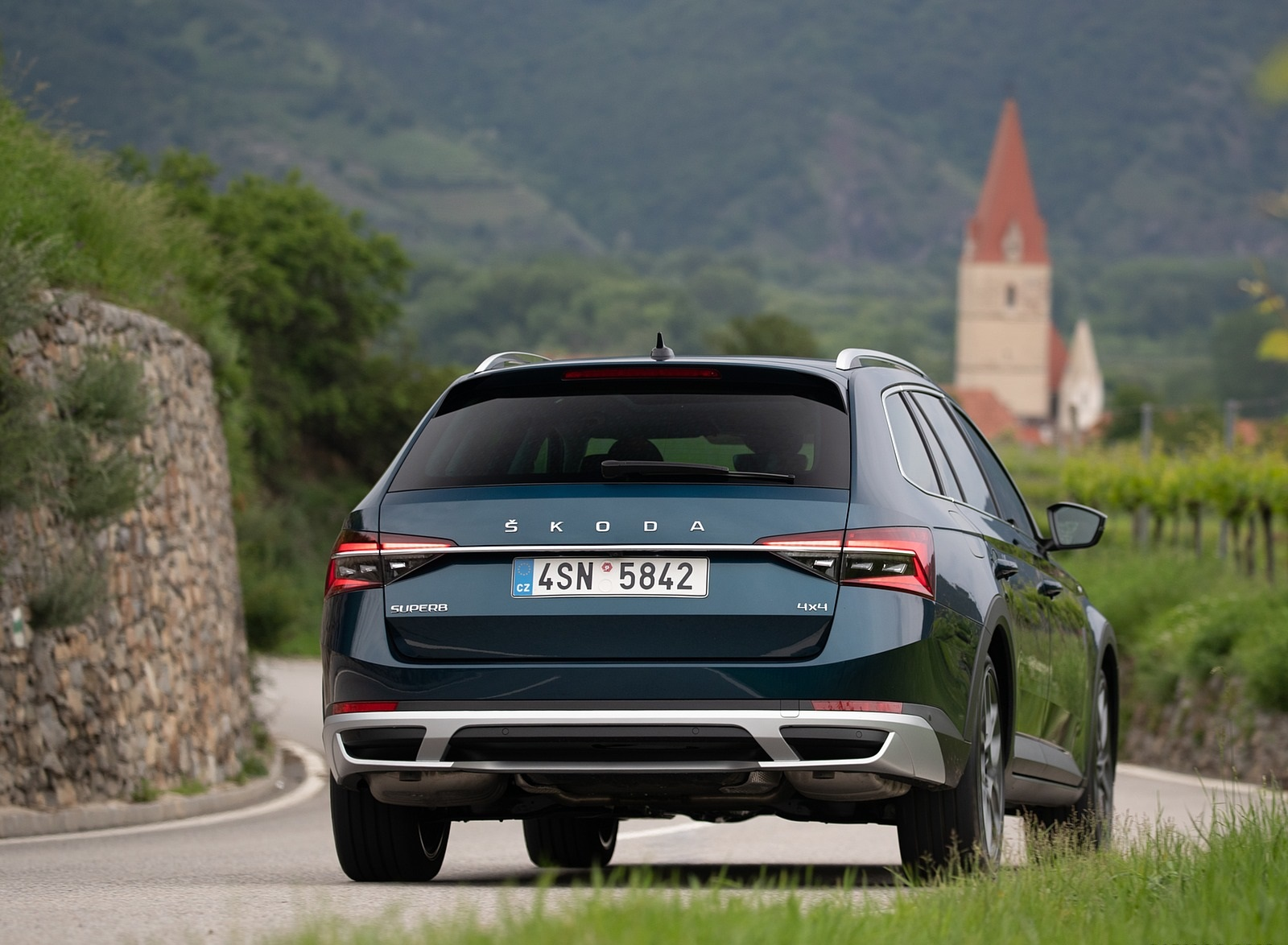 2020 Skoda Superb Scout Rear Wallpapers (15)