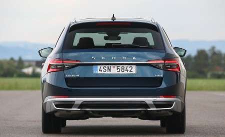 2020 Skoda Superb Scout Rear Wallpapers 450x275 (25)
