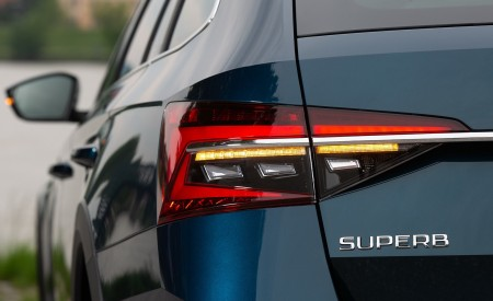 2020 Skoda Superb Scout Tail Light Wallpapers 450x275 (34)