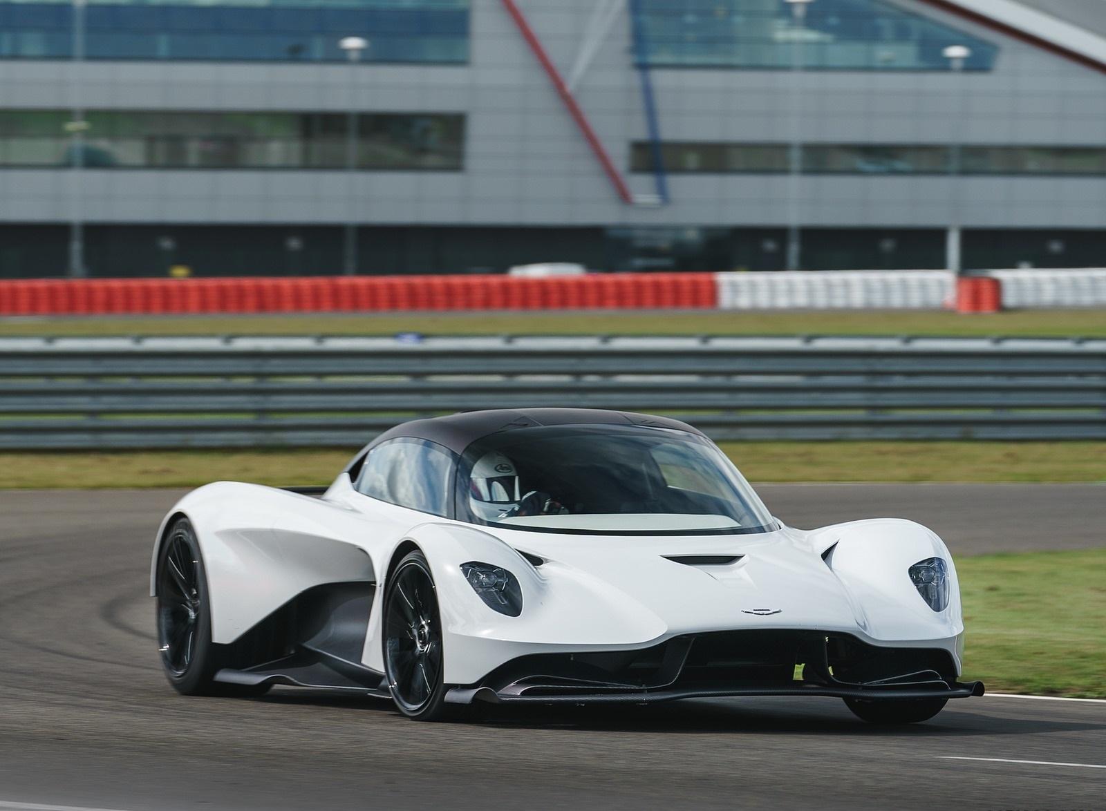 2020 Aston Martin Valhalla Front Three-Quarter Wallpapers (6)