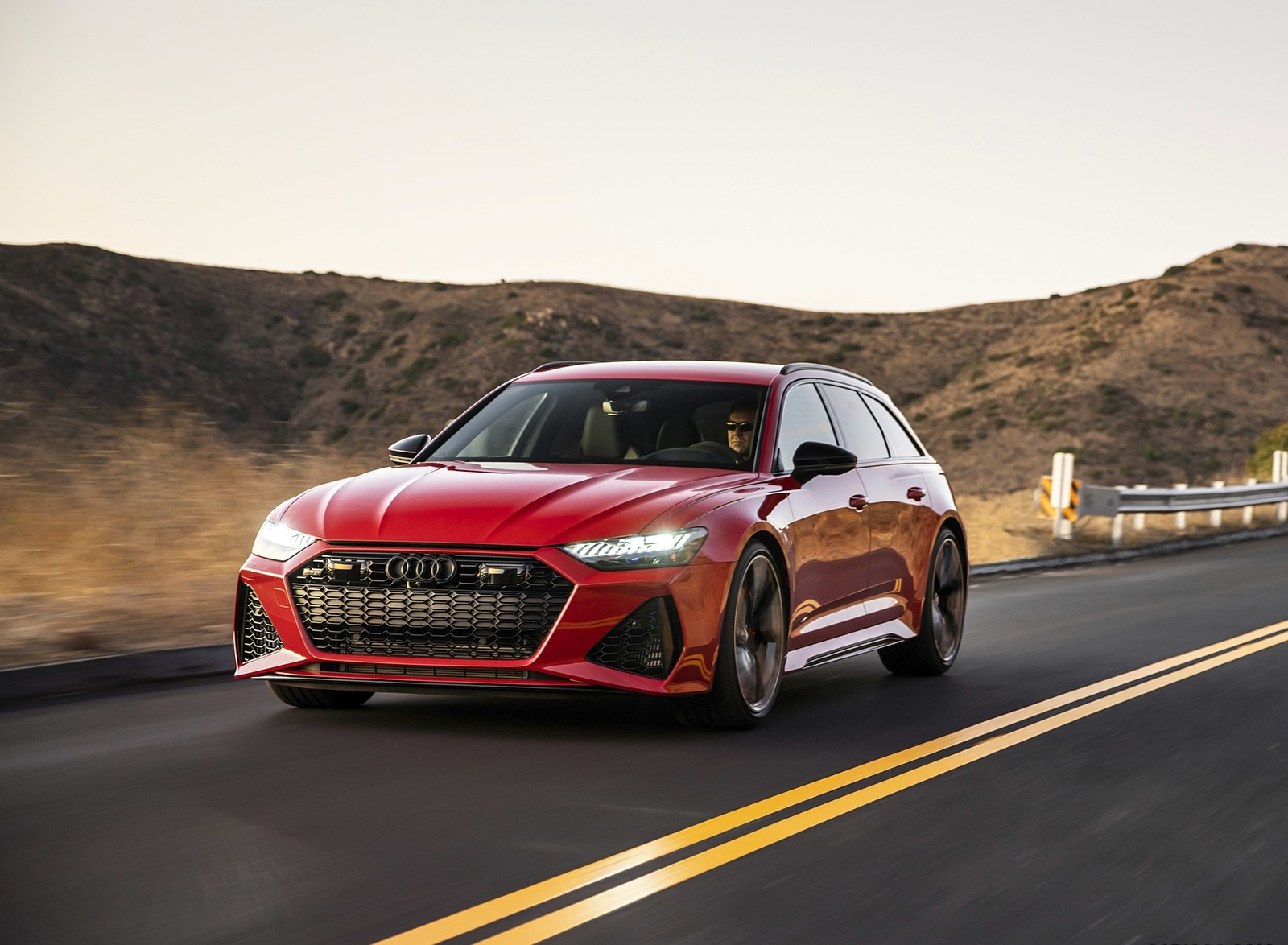 2020 Audi RS 6 Avant (Color: Tango Red) Front Three-Quarter Wallpapers (1)