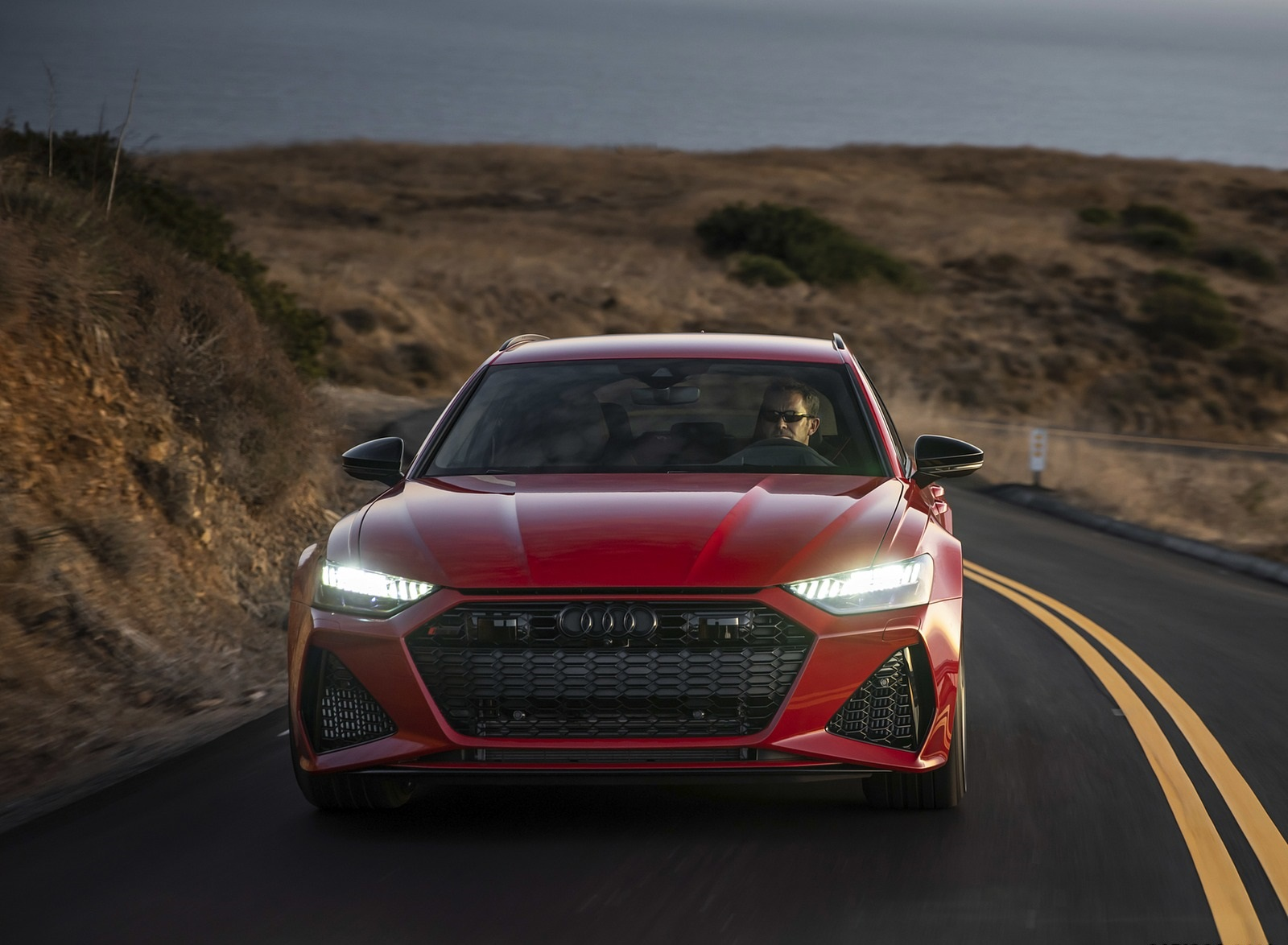 2020 Audi RS 6 Avant (Color: Tango Red) Front Wallpapers (3)