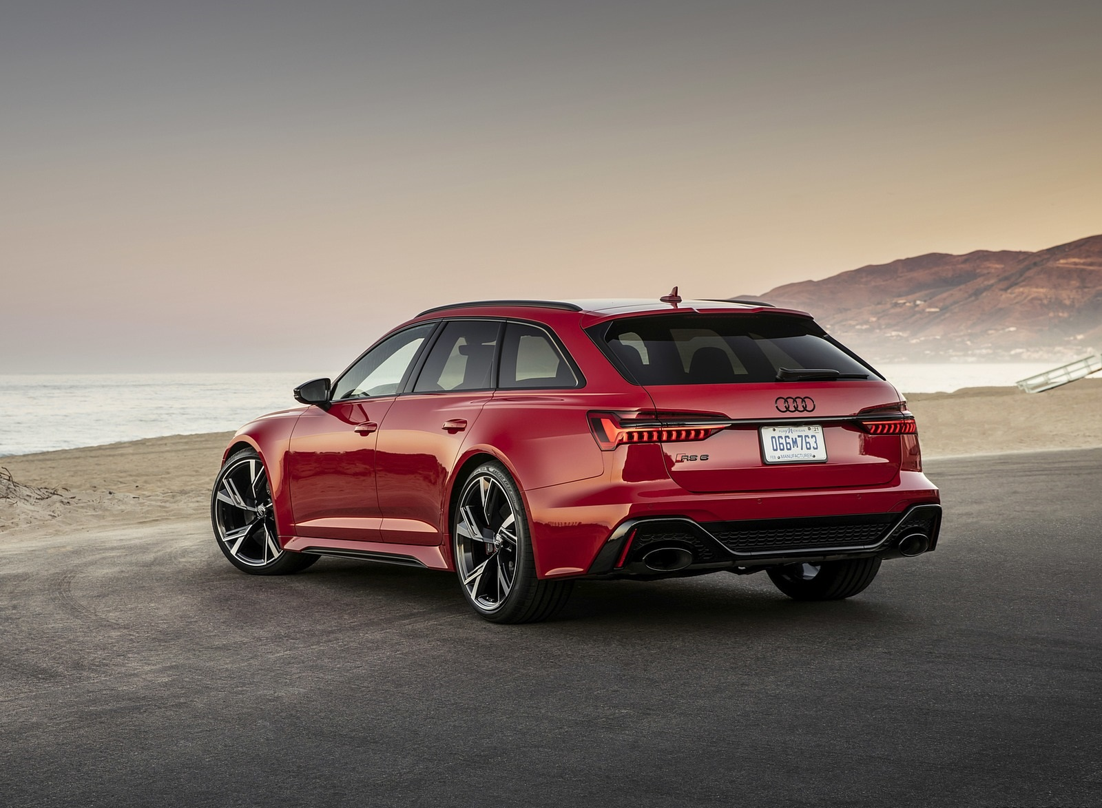 2020 Audi RS 6 Avant (Color: Tango Red) Rear Three-Quarter Wallpapers (10)