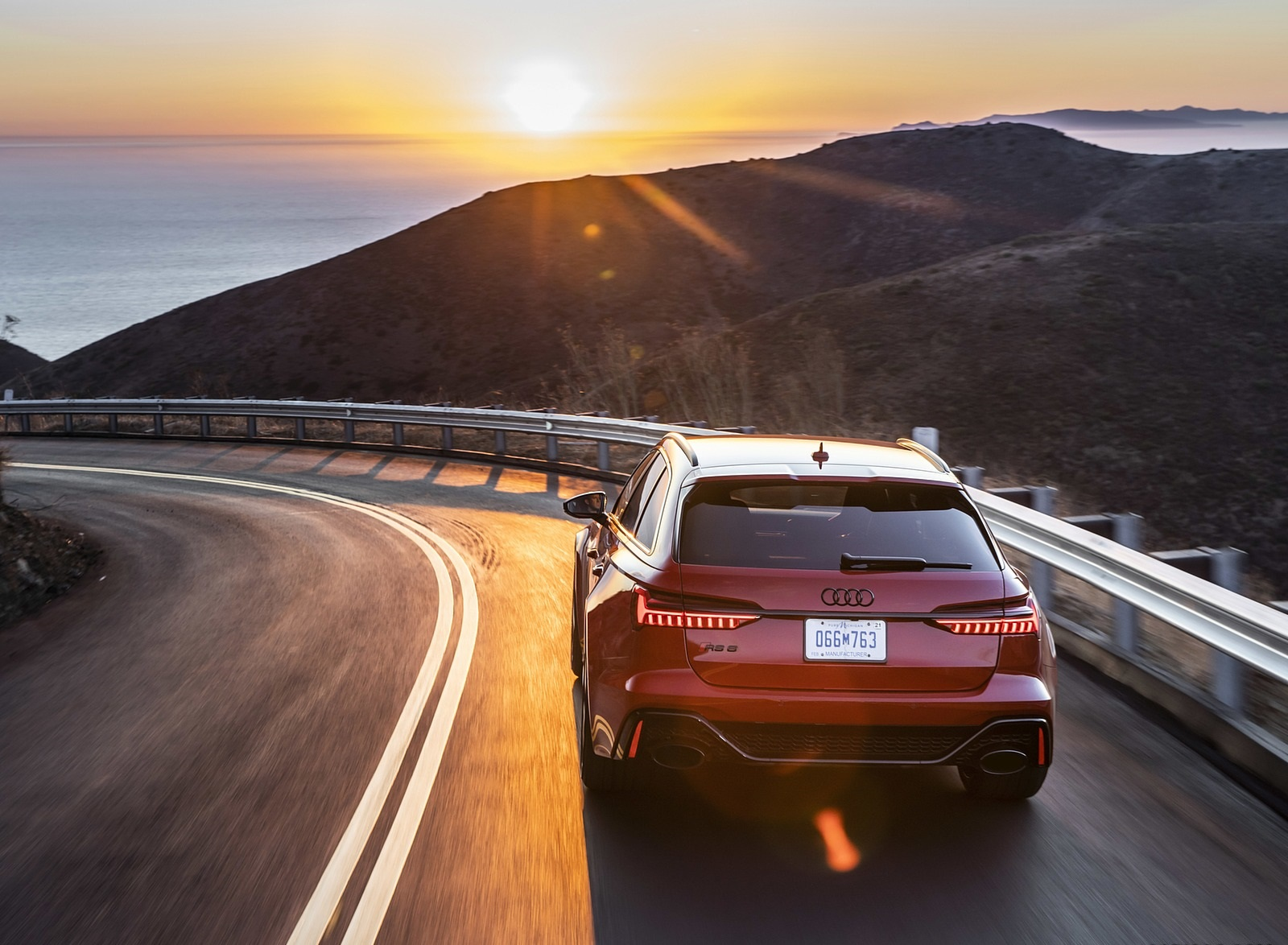 2020 Audi RS 6 Avant (Color: Tango Red) Rear Wallpapers (4)