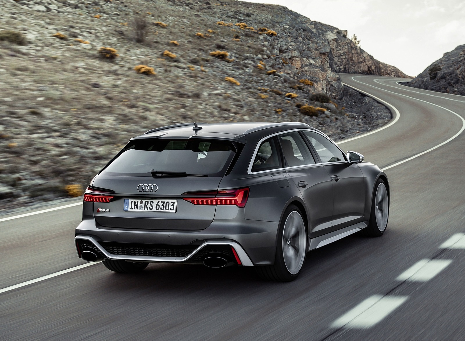 2020 Audi RS 6 Avant Rear Three-Quarter Wallpapers (2)