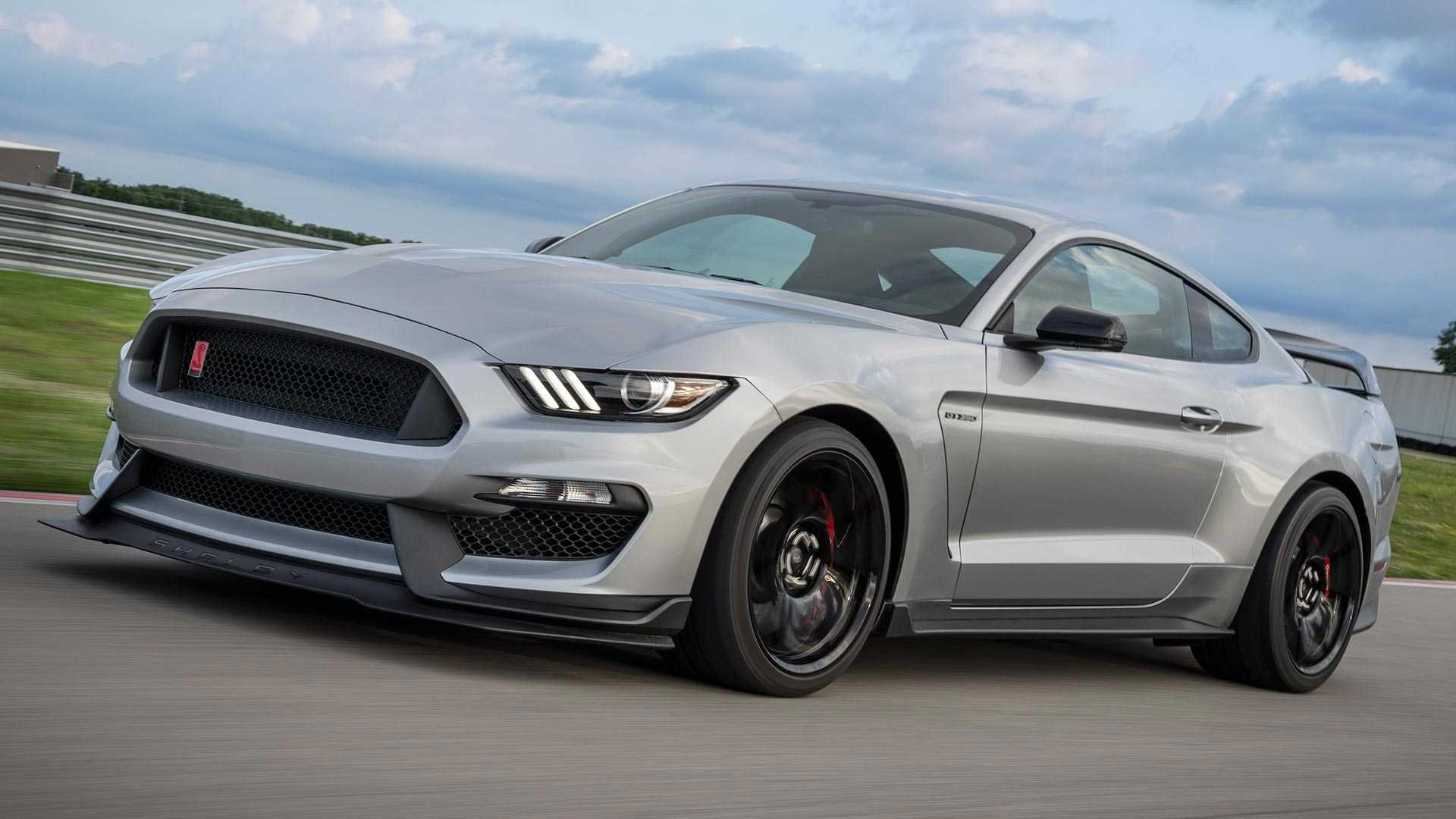 2020 Ford Mustang Shelby GT350R Front Three-Quarter Wallpapers (1)