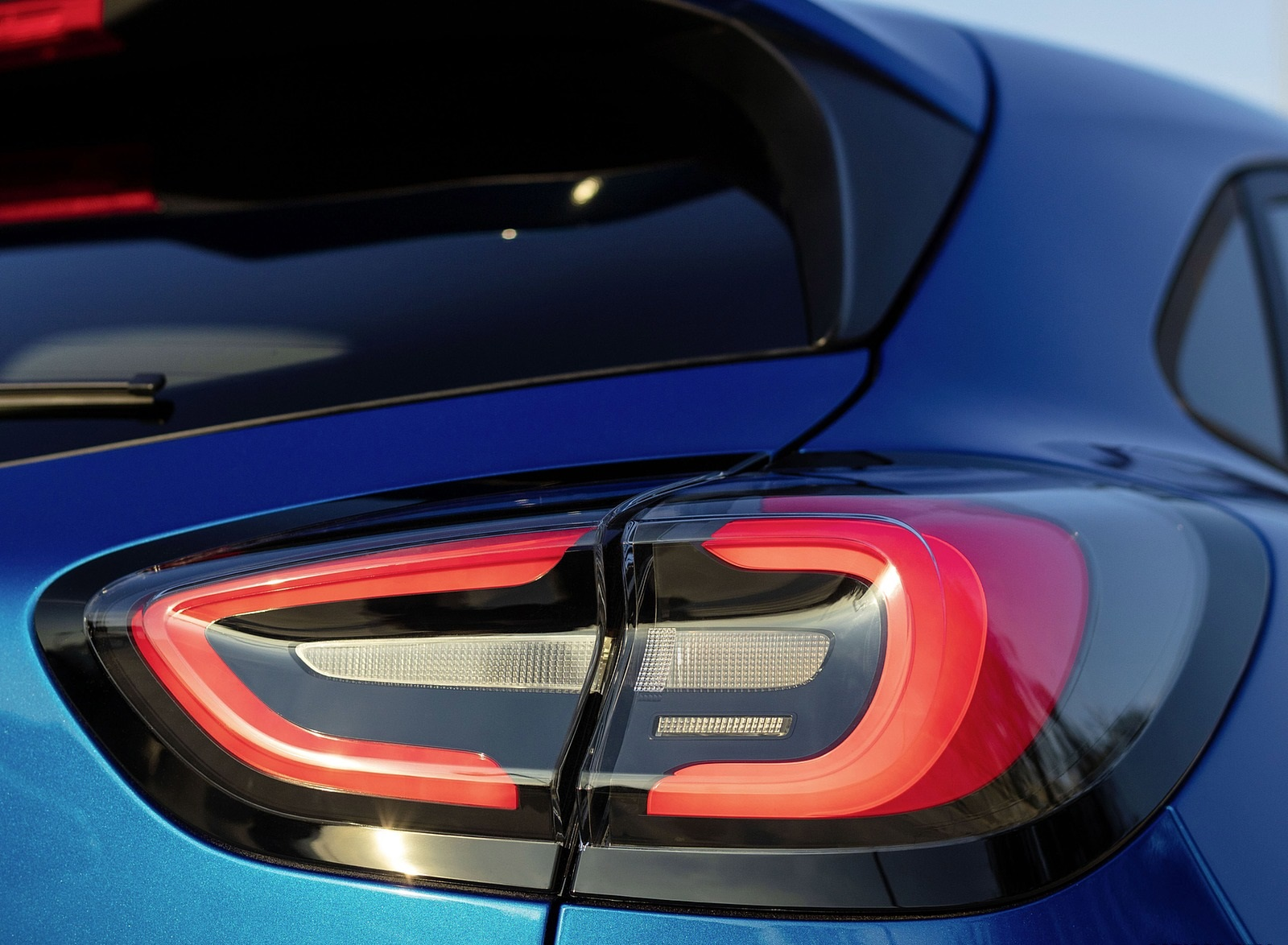 2020 Ford Puma Tail Light Wallpapers (12)