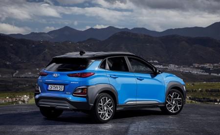 2020 Hyundai Kona Hybrid (Euro-Spec) Rear Three-Quarter Wallpapers 450x275 (10)