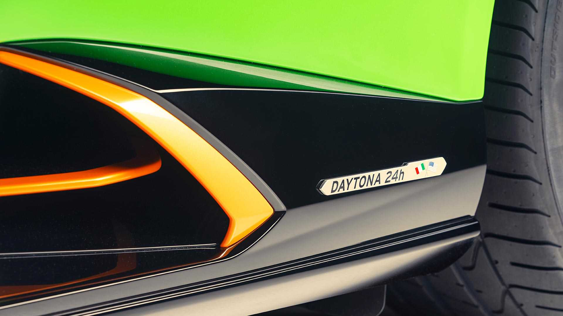 2020 Lamborghini Huracán EVO GT Celebration Detail Wallpapers (8)
