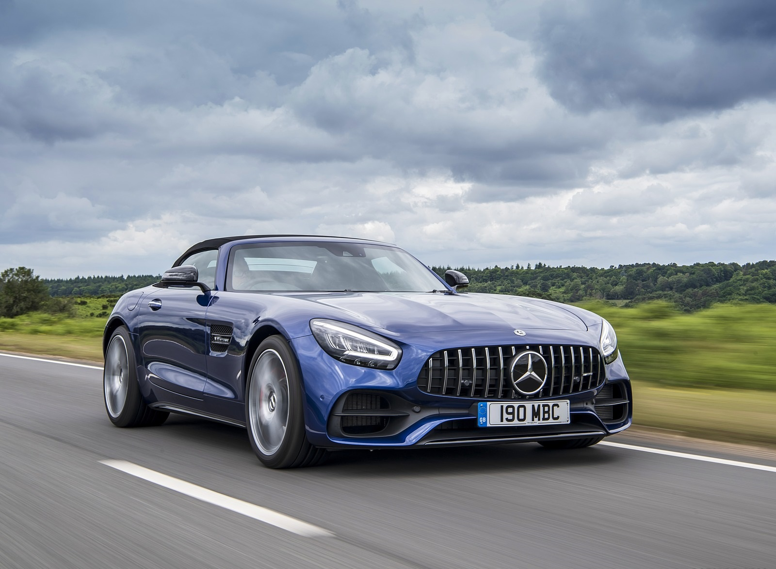 2020 Mercedes-AMG GT S Roadster (UK-Spec) Front Three-Quarter Wallpapers (14)