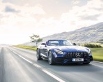 2020 Mercedes-AMG GT S Roadster (UK-Spec) Front Three-Quarter Wallpapers 150x120 (2)