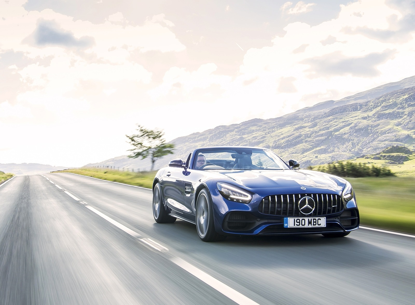 2020 Mercedes-AMG GT S Roadster (UK-Spec) Front Three-Quarter Wallpapers (3)