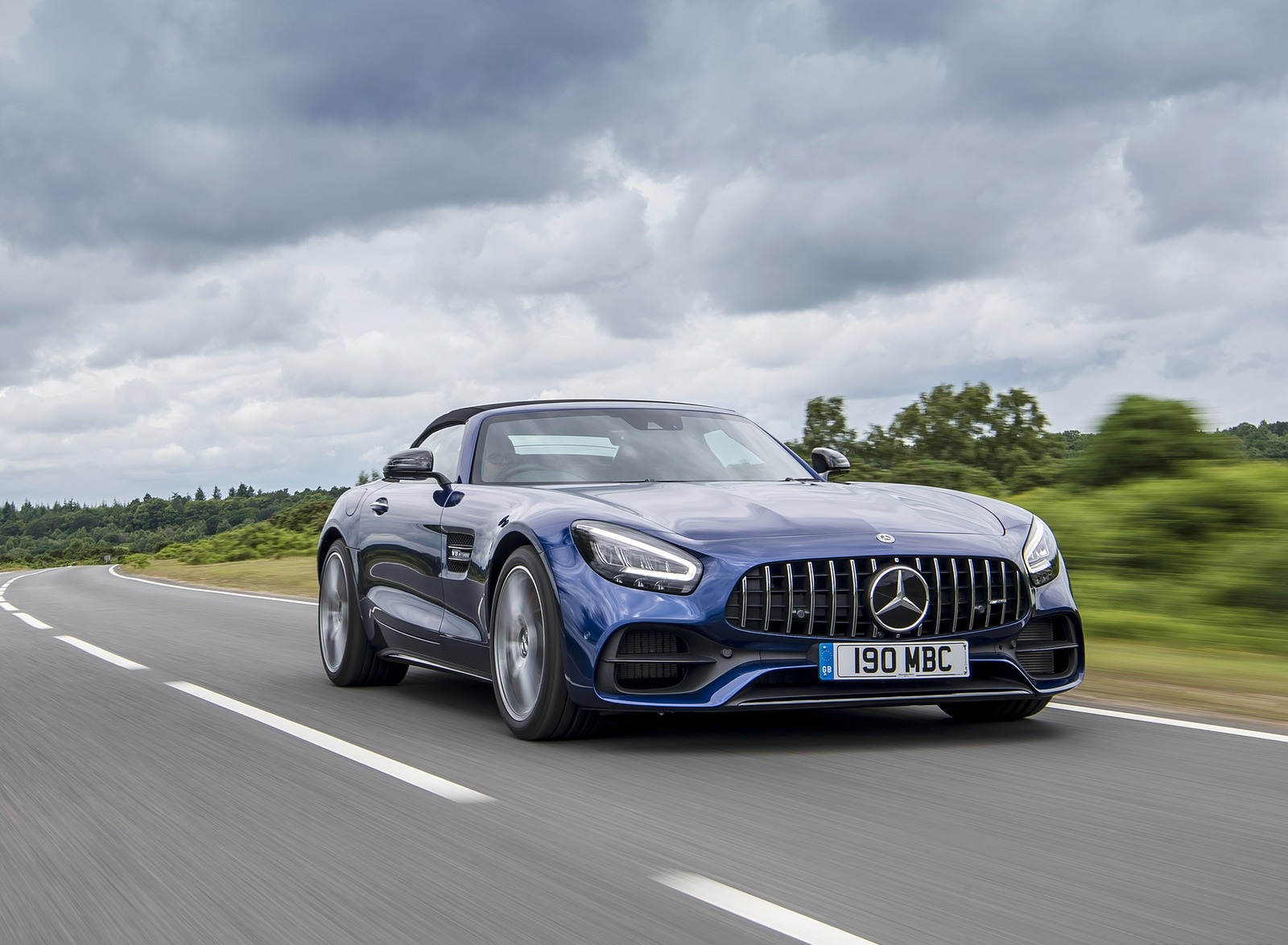 2020 Mercedes-AMG GT S Roadster (UK-Spec) Front Three-Quarter Wallpapers (15)